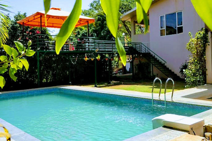 Igatpuri farmhouse swimming pool