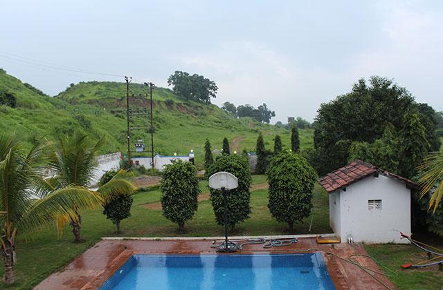 bungalow near mumbai on rent